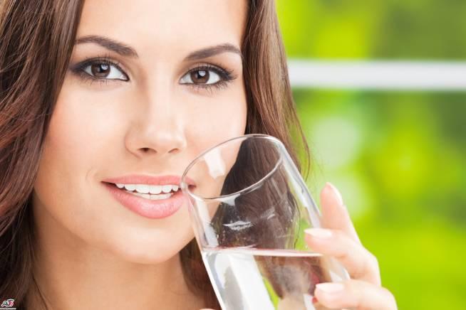توصیه به نوشیدن هشت لیوان آب در روز هیچ مستند علمی ندارد